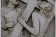 2. Station: Jesus nimmt das Kreuz auf seine Schultern