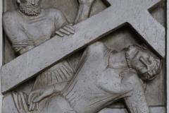 9. Station: Jesus fällt zum dritten Mal unter dem Kreuz