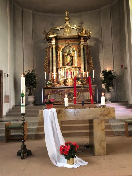 Bübinger Altarraum
