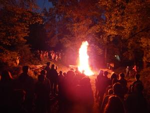 Begrüßungs-Lagerfeuer