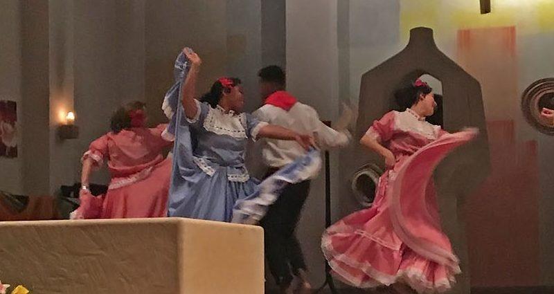Tanz bei der kolumbianischen Nacht